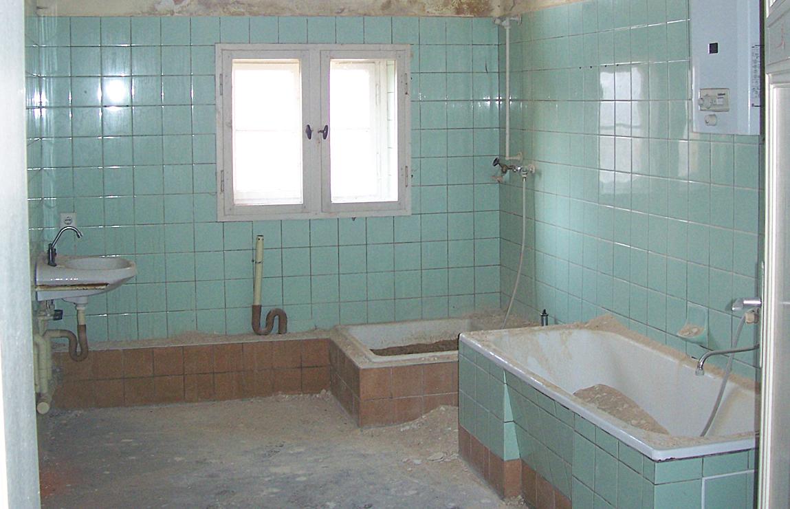 zustand vor sanierung lebenswertes wohnen in g rlitz. Black Bedroom Furniture Sets. Home Design Ideas
